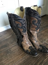 Pair of brown leather cowboy boots Weslaco, 78599