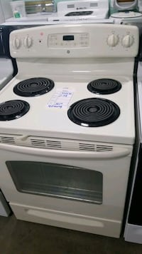 Ge electric Stove 30inches.  Manorville, 11949