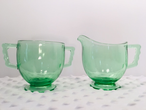 Vintage 4 pc Forrest Green Glass Creamer & Sugar Bundle 09be11b0-4181-4d9a-9fde-b918e9b63fd6