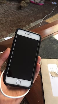 Iphone 6 64gb factory unlocked comes with charger and case Vancouver, V6G 2L2