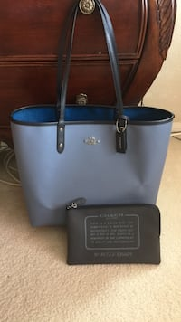 black and blue leather tote bag Las Vegas, 89131