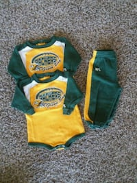 6-9mo nfl green bay packer outfit  Oshkosh, 54904