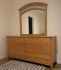 Large wood dresser with mirror Pasadena, 91107