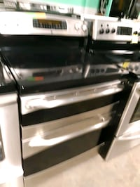 GE STAINLESS STEEL DOUBLE OVEN ELECTRIC STOVE