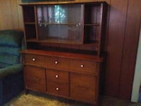 brown wooden TV hutch with flat screen television East Liverpool, 43920