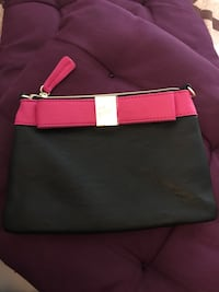 Brand new Betsy Johnson pouch Laval, H7W 2J3