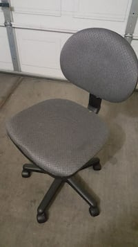 gray padded rolling office chair Las Vegas, 89139