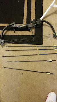 Compound bow with arrows Ocean Springs, 39564