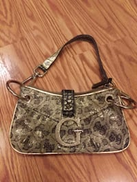 Guess Wristlet Purse  Chicago, 60630