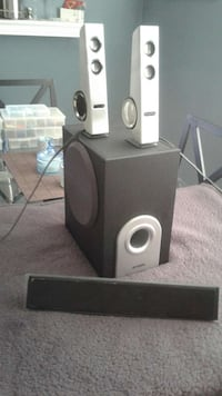 Creative I-Trigue speakers and subwoofer w/Belkin sound bar