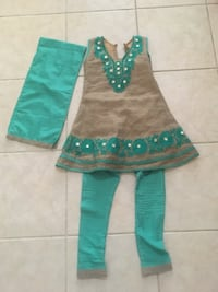 Size 4-5 kids Indian suit Pickering
