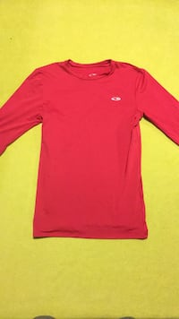 Champion XL youth red compression top Yakima, 98901