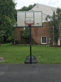 Lifetime basketball hoop Bethesda, 20817