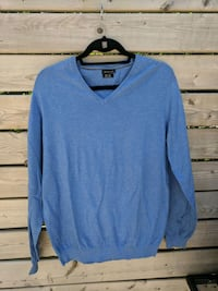 Massimo Dutti blue v-neck sweater  Montréal, H3X 2K8