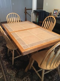 Dining Room Table with 4 Windsor Back Chairs