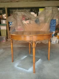 Round Wood Table - Price Negotiable Fort Lee, 07024