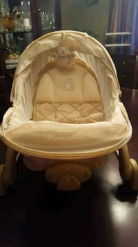 baby's white and pink bassinet Easton, 02356