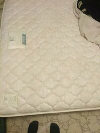 Used queen mattress  Toronto, M9V 4M2