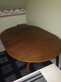 Solid wooden table with leaf Ottawa, K2P