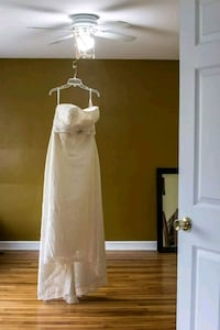 New Ivory Wedding Dress, Veil & Tiara Never Worn Ottawa, K1S 1R1