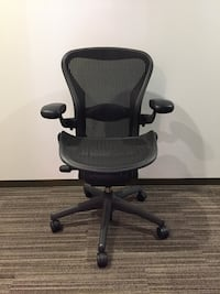 Herman Miller Aeron Chair. Great condition   Los Angeles, 90012