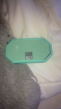 Bluetooth speaker (waterproof) Great sound Brampton, L6R 0E8