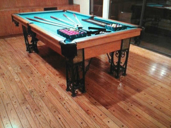 POOL TABLE 14a6e33b-f294-4a29-9c8d-8caf49825222