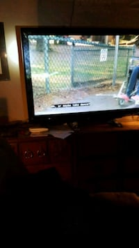 black flat screen TV with remote Edmonton, T5W 5J9