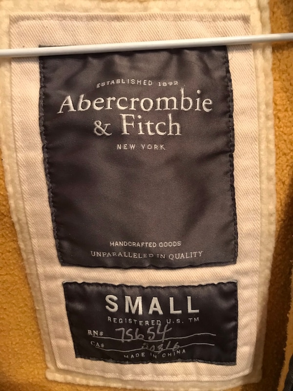 Abercrombie&Fitch zip-up hoodie 8fe5ca86-a7c5-4616-93b3-6e1a2696d9be