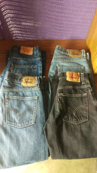 Boys Levi's 8reg/10 H torn Whittier, 90604