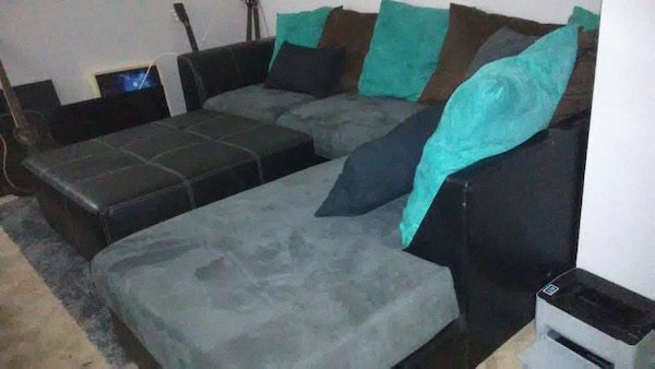 Used Large Sectional Sofa w/Ottoman. for sale in Seattle - letgo