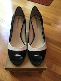 Pair of black and white leather peep-toe heeled shoes womens 6.5 new
