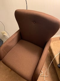 A Brown Accent Chair Oxon Hill, 20745
