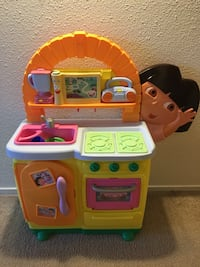 Dora's Talking Play Kitchen Aberdeen, 21005