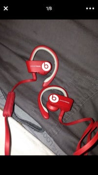 Beats wireless earbuds  35 km