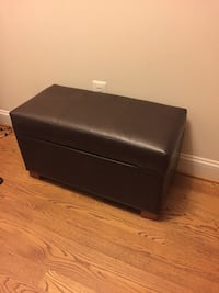 Leather storage bench  Arlington, 22201