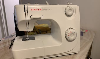 Sewing machine in package (negotiable)