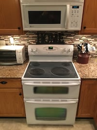 Maytag appliance set