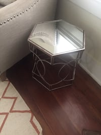 Side table  Silver Spring, 20910