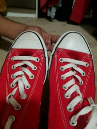 pair of red Converse low-top sneakers Saint Paul, 55112