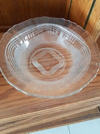round clear glass food bowl