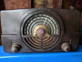 Antique Zenith radio 2 Band,, not 3,,, $ obo...