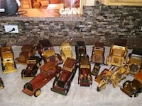 Wooden car collectables  Albuquerque, 87114