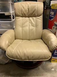 Leather chair  Wilmington, 28405