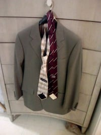 Men's Canadian made suit  Ottawa, K1Z 7Z4