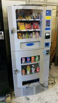 Combo vending machine fully working  Gaithersburg, 20879