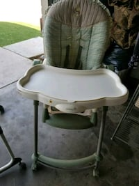 baby's white and gray high chair Moreno Valley, 92557