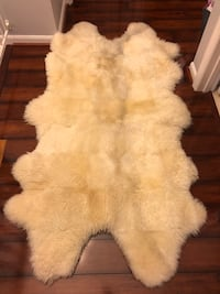white and brown fur textile Alexandria, 22315
