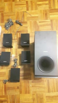 Home theater.  4speakers and sub  Toronto, M4S 3A4