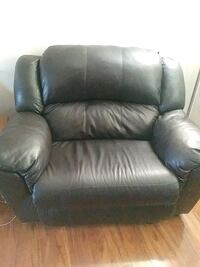 black leather recliner sofa chair Springfield, 97478